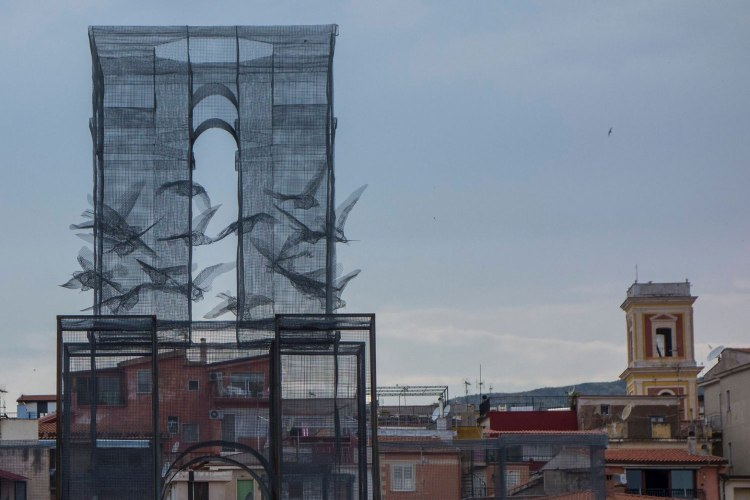 Incipit-Wire-Mesh-Sculpture-by-Edoardo-Tresoldi-Yellowtrace-06